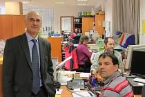 Kanceláře firmy, vzadu má svou pracovnu Lutz Krämer.