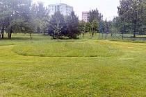 Pelhřimovští vytvářejí z travnatých ploch mozaiku.