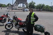 Poslední den expedice TransPyreney byl ve znamení problémů. Martin Veleta sice domů dojel, ale Ondřej Hájek se kvůli technickému stavu Jawy vrátil autem.
