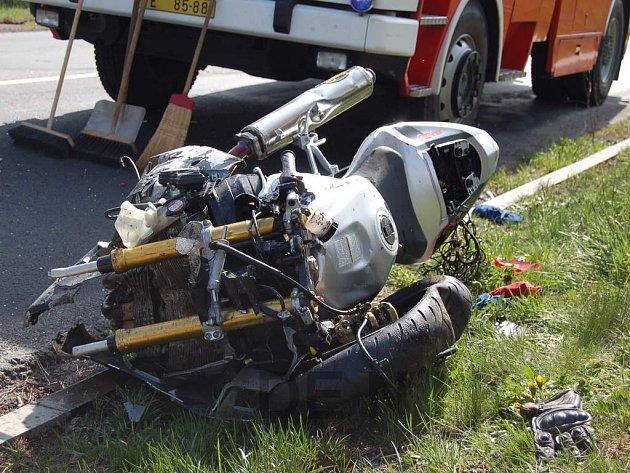 Dopravní nehoda v Pravíkově u Kamenice nad Lipou