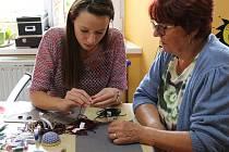 V Hodině H si mohli návštěvníci zkusit tvořit z betonu, výrobu šperků nebo se nechat profesionálně vyfotografovat.