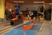 Kamenice podala v zápase proti Chotovinám výborný výkon. Nejlepšího náhozu dosáhl Michal Chvála (vpravo), který porazil 488 kuželek a získal důležitý čtvrtý bod domácích.