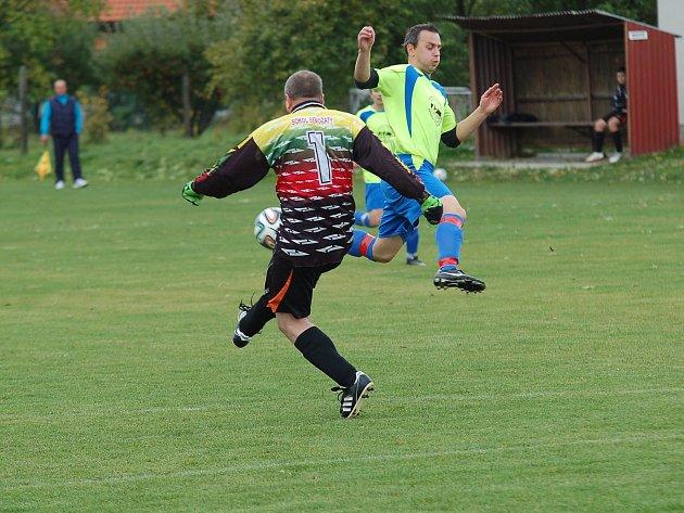 V Žirově se hrálo hlavně před brankou Senožat. Domácí tým se radoval ze zaslouženého vítězství 4:1.