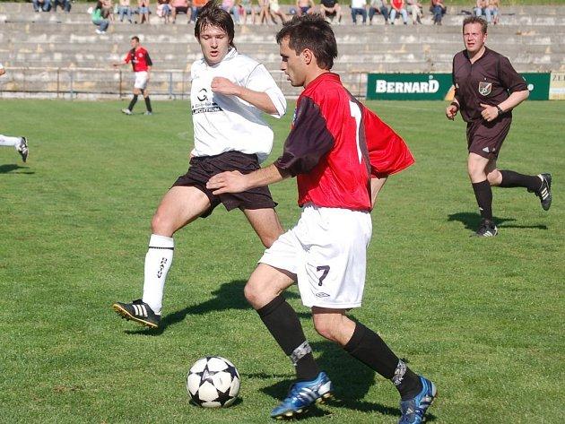 Kamil Prachař má v Humpolci v popisu práce především bránění, ale tentokrát se blýskl i v ofenzívě. Jeho gól byl vskutku výstavní.