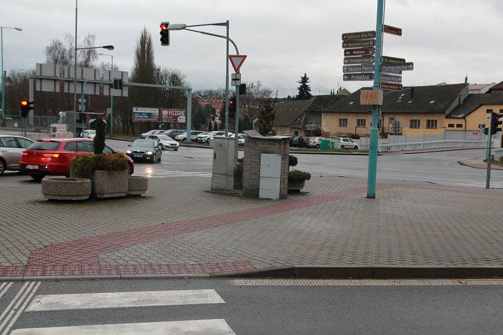Jedna z křižovatek se nachází v lokalitě U Rekrey.