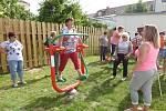 Posezení na zahradě Komunitního domu seniorů v Žirovnici doplnil aktivní program. Foto: archiv Oblastní charity Pelhřimov