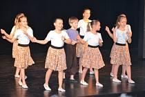 Atmosféru slavnostního večera ještě zpříjemnila tři vystoupení žáků tanečního oboru humpolecké základní umělecké školy pod vedením Evy Eremkové.