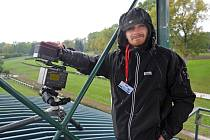 Martin Hurda jel do Pardubic kvůli jedinému snímku. Na ten v sychravém počasí čekal celý den.