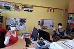 Ve čtvrtek 22. října vyrazili pracovníci Oblastní charity Pelhřimov v pruhovaném oblečení.