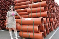Osma, největší tuzemský výrobce plastových potrubních systémů pro domovní a venkovní kanalizaci.