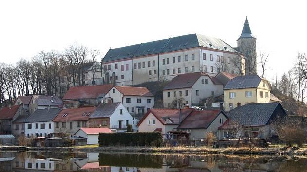 Žirovnice - pohled na zámek