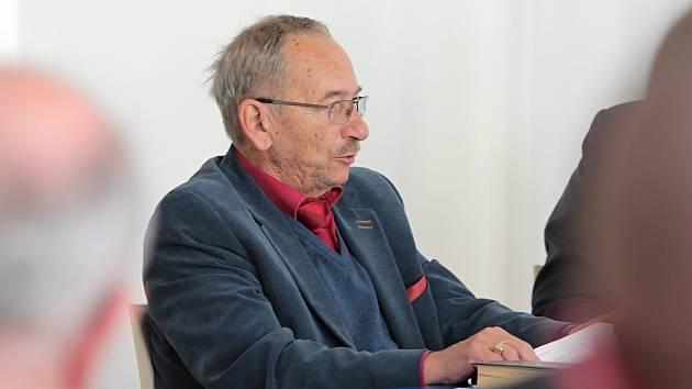 V Dub Gallery v Pelhřimově se ve čtvrtek uskutečnila inspirativní debata s Jaroslavem Kuberou.