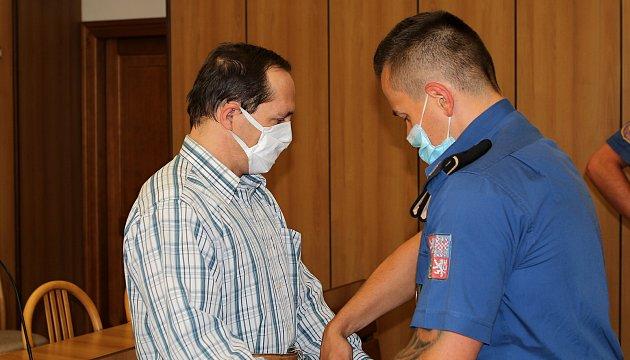 Soud vTáboře začal řešit brutální vraždu servírky zprosince loňského roku vHumpolci na Pelhřimovsku. Podle obžaloby má čin na svědomí sedmačtyřicetiletý dělník Roman Fousek.