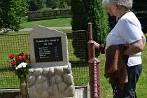 V Otavožatech odhalili pomník padlým osadníkům.