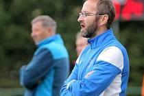 Trenér Leoš Mitas má starosti. Po prohře s Moravskými Budějovicemi se jeho tým ocitl v ohrožení sestupem z krajského přeboru.