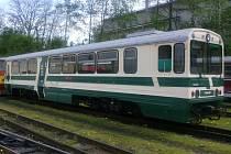 Opravované vozy Jindřichohradekých místních drah.
