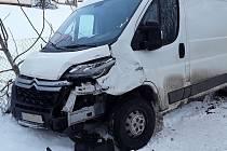 Nehoda u Radějova na Pelhřimovsku skončila zraněním.