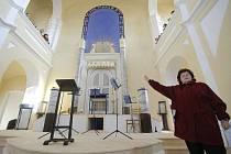 Otevření novocerekvické synagogy se odkládá.