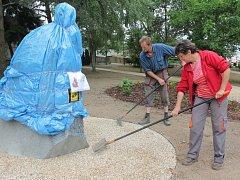 Od středy je v Děkanské zahradě v Pelhřimově k vidění busta Františka Bernarda Vaňka.