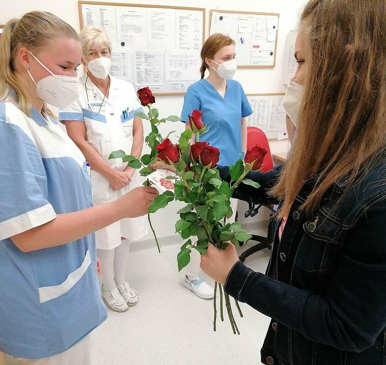 Mezinárodní den zdravotních sester a ošetřovatelek oslavili i v pelhřimovské nemocnici.