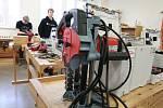 Nové vybavení prezentoval v Pelhřimově zástupce německého výrobce Martin Sezama.