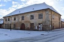 Zchátralá budova bývalého hostince projde rozsáhlou rekonstrukcí