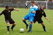 Sedm gólů a vítězství domácích viděli diváci v zápase Humpolec B s Tisem.
