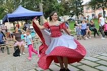 Do humpolecké Stromovky mířili malí i velcí za tancem.