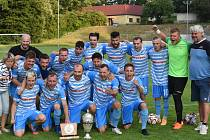 Perleťový pohár pozvedli nad hlavu fotbalisté Humpolce.
