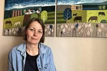 Lucie Skálová se živí grafickým designem a prací na počítači.