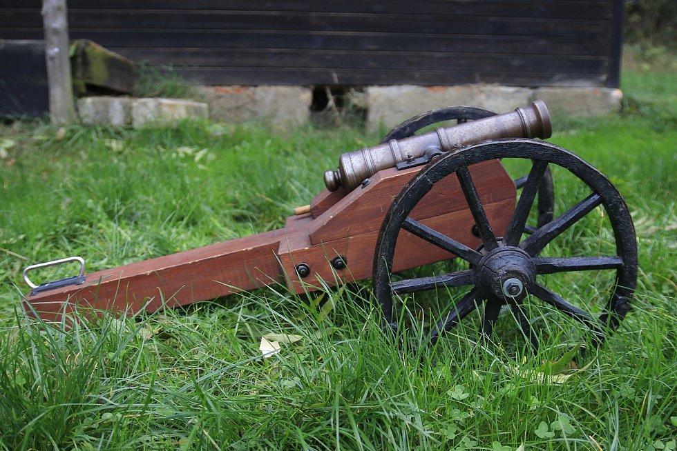 Vlastimil Sobek z Pacova si vyrobil funkční dělo.
