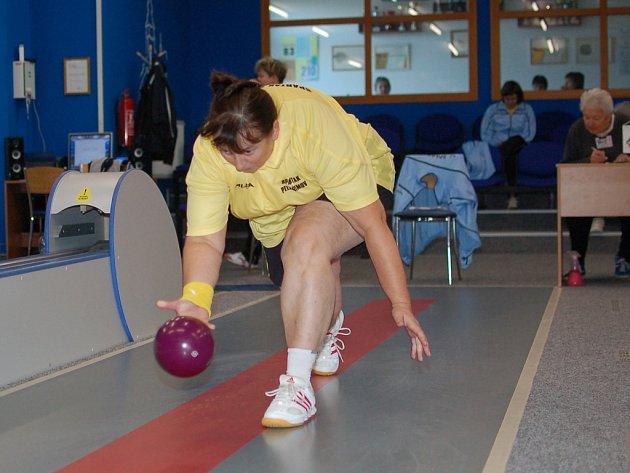 Skvěle zahrála v utkání proti Chýnovu zkušená Zdeňka Vytisková. Porazila 555 kuželek a jen čtyři body zůstala za letošním maximem svým i pelhřimovského týmu.