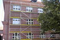 Výměna oken v pelhřimovském gymnáziu.