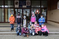 Děti ze 2. C Základní školy Hradská v Humpolci přihlásily učitelku Lucii Brabcovou do ankety Zlatý Ámos.