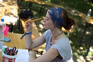 Devět mladých lidí se o prázdninách vydalo na mezinárodní projekty do zahraničí.