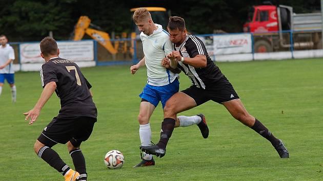 Fotbalisté Žirovnice už tři zápasy nebodovali. Naposledy vyhráli doma s Ledčí nad Sázavou.