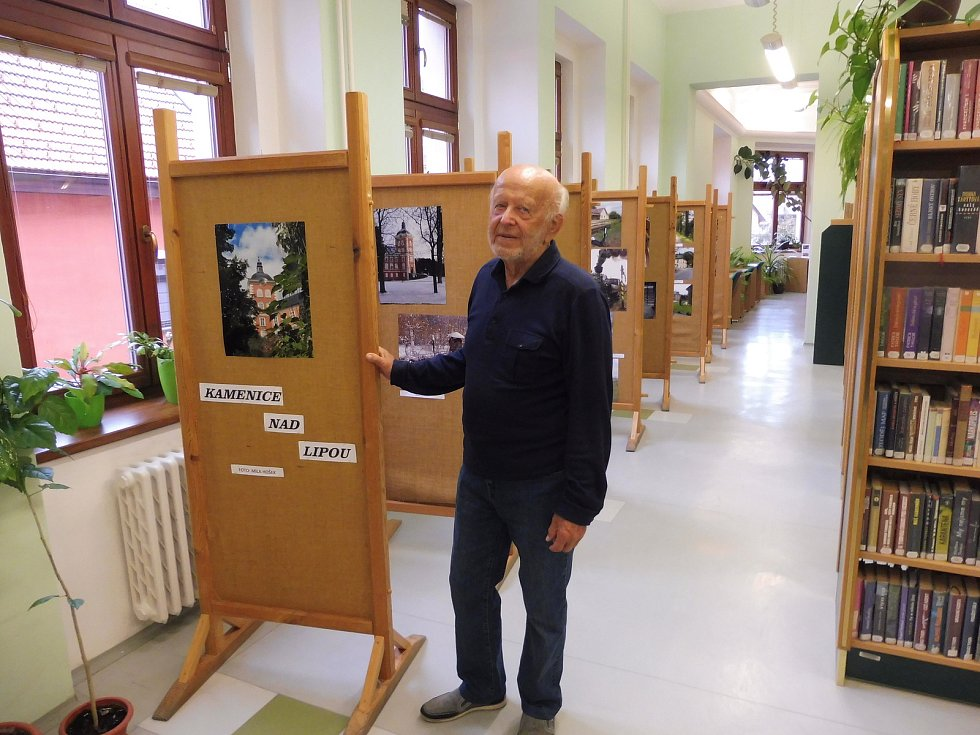 Sedmaosmdesátiletý milovník fotografie má na svém kontě mimo jiné i deset výstav.