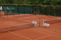Tenisové kurty TK Pelhřimov už čekají na začátek soutěží družstev a kolotoč turnajů jednotlivců.