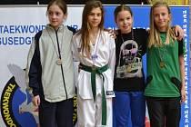 Eliška Benešová (na snímku zcela vpravo) podala v Záhřebu velmi dobrý výkon a nakonec na Vysočinu přivezla bronzovou medaili.