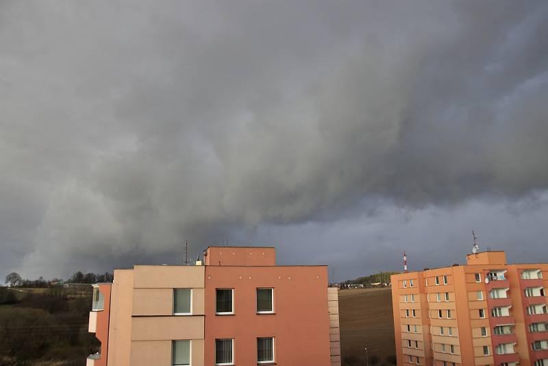 Orkan Sabine dorazil do Pelhřimova.