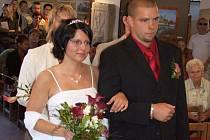 Magické datum 7. 7. 2007 si pro svůj velký den vybralo v Pelhřimově hned osm párů novomanželů.