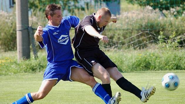 Dobře začali sezonu fotbalisté Ústrašína. Na remízu z Janovic navázali vítězstvím nad Dobronínem.