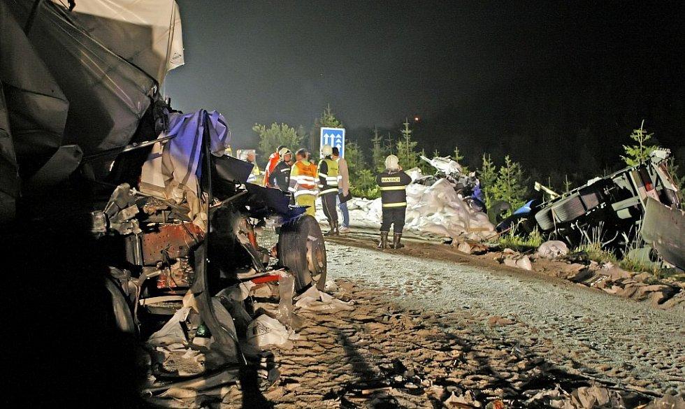 Z hromadné nehody na D1 u Humpolce...