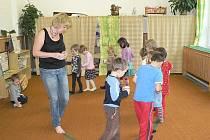 Jana Leligdonová (na snímku) bude s dětmi ve školce v Dubovicích nacvičovat i Elipsu.  Cvičení  psychické a fyzické rovnováhy, klidu  a koncentrace pozornosti.