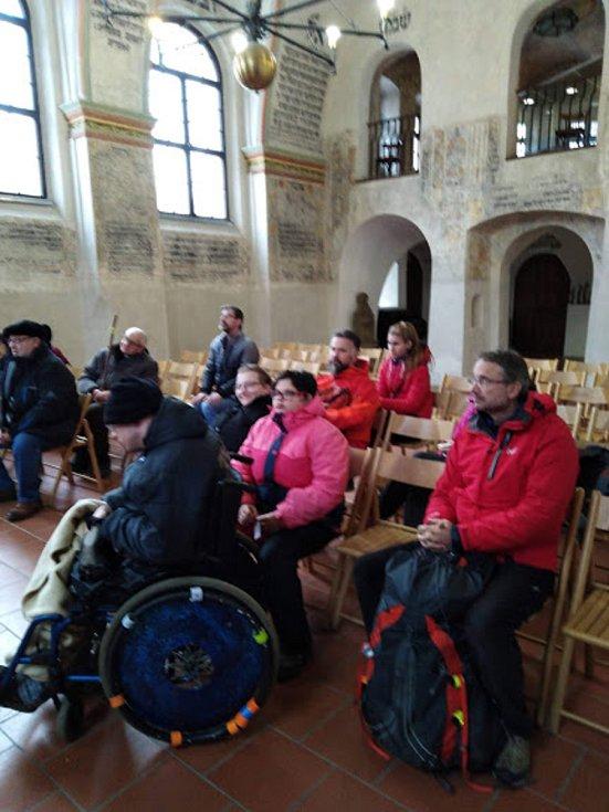 Adventní společná doprovázená pouť lidí zdravých slidmi s handicapem. Foto: archiv, Kruhcentrum, z. s.