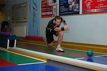 Petr Šindelář byl v Horním Benešově nejlepším z týmu hostů. K pokoření šestistovkové hranice mu chybělo pouhých šest kuželek. Prohru Slovanu už ale jen zmírnil.