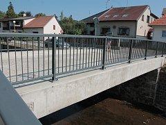 Nový most přes říčku Bělou.