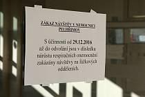 Nemocnice Pelhřimov vyhlásila zákaz návštěv.