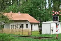 Na Pelhřimovsku je jich celá řada. Jeden stojí i mezi Leskovicemi a Prosečí u Pošné.