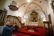 Kostel sv. Lucie v Ježově na Pelhřimovsku.